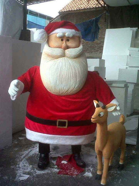 Patung miniatur replika dan mock up santa claus dekorasi styrofoam untuk acara christmas Natal