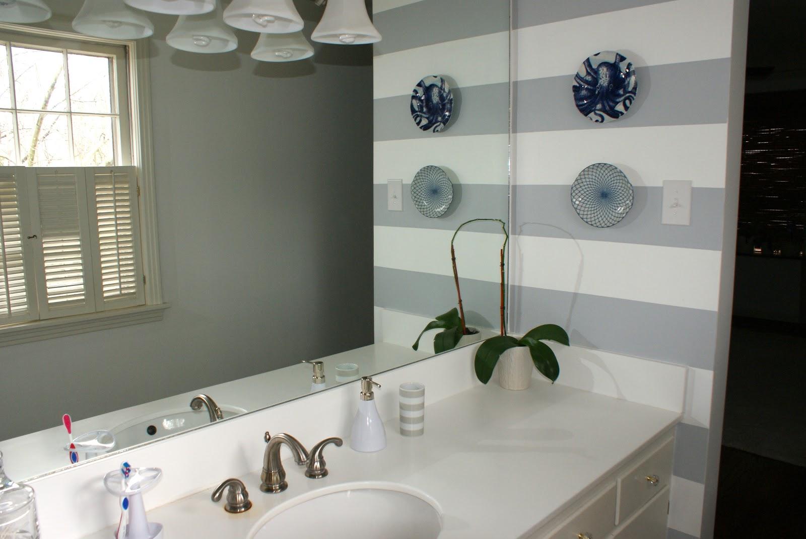Some Like A Project: A Striped Bathroom