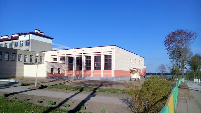 Спортзал старой школы теперь выглядит так