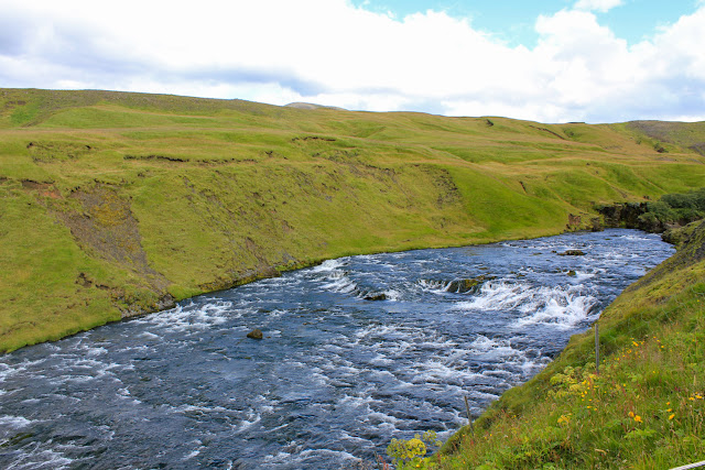 El río justo antes de precipitarse por la cascada