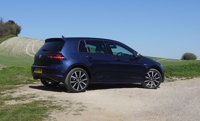 Volkswagen Golf GTE rear view
