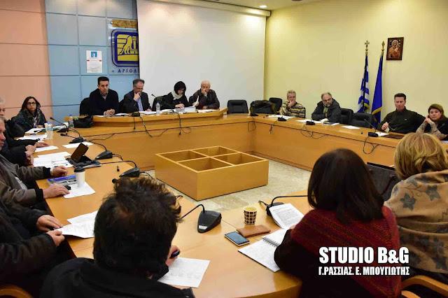 Συνεδριάζει το Δημοτικό Συμβούλιο στο Ναύπλιο με 21 θέματα