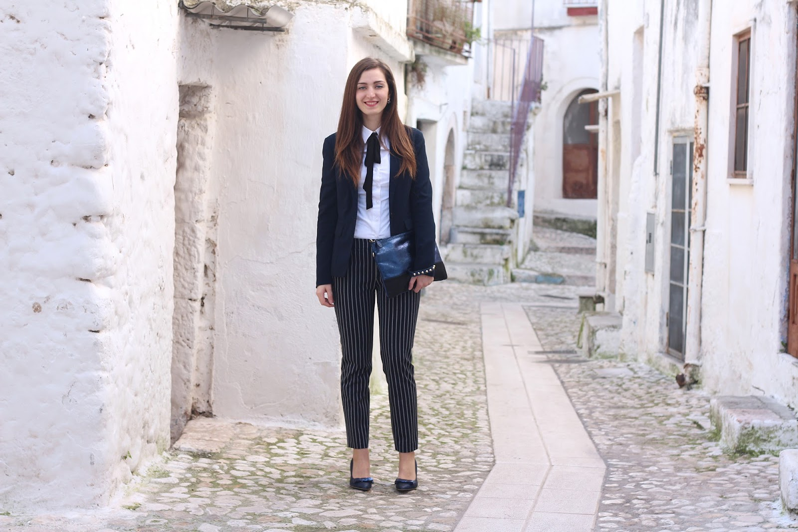 fashion moda blogger pescara italy laurea degree outfit ootd look love trend blue zara stripes red coat choies blue glitter heels shoes bow bijou brigitte earrings