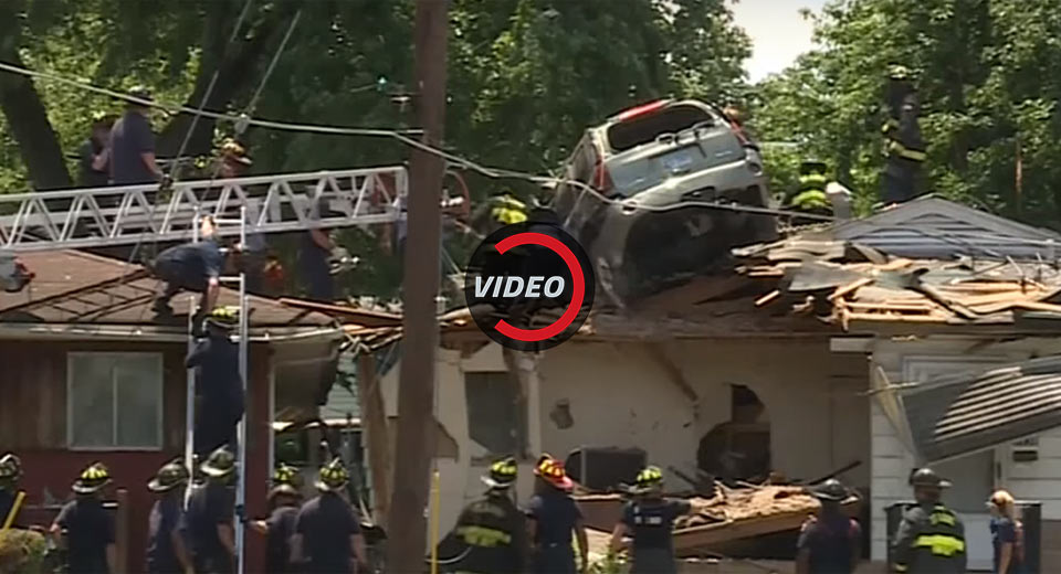 Speeding Gmc Envoy Lands On St Louis House Roof