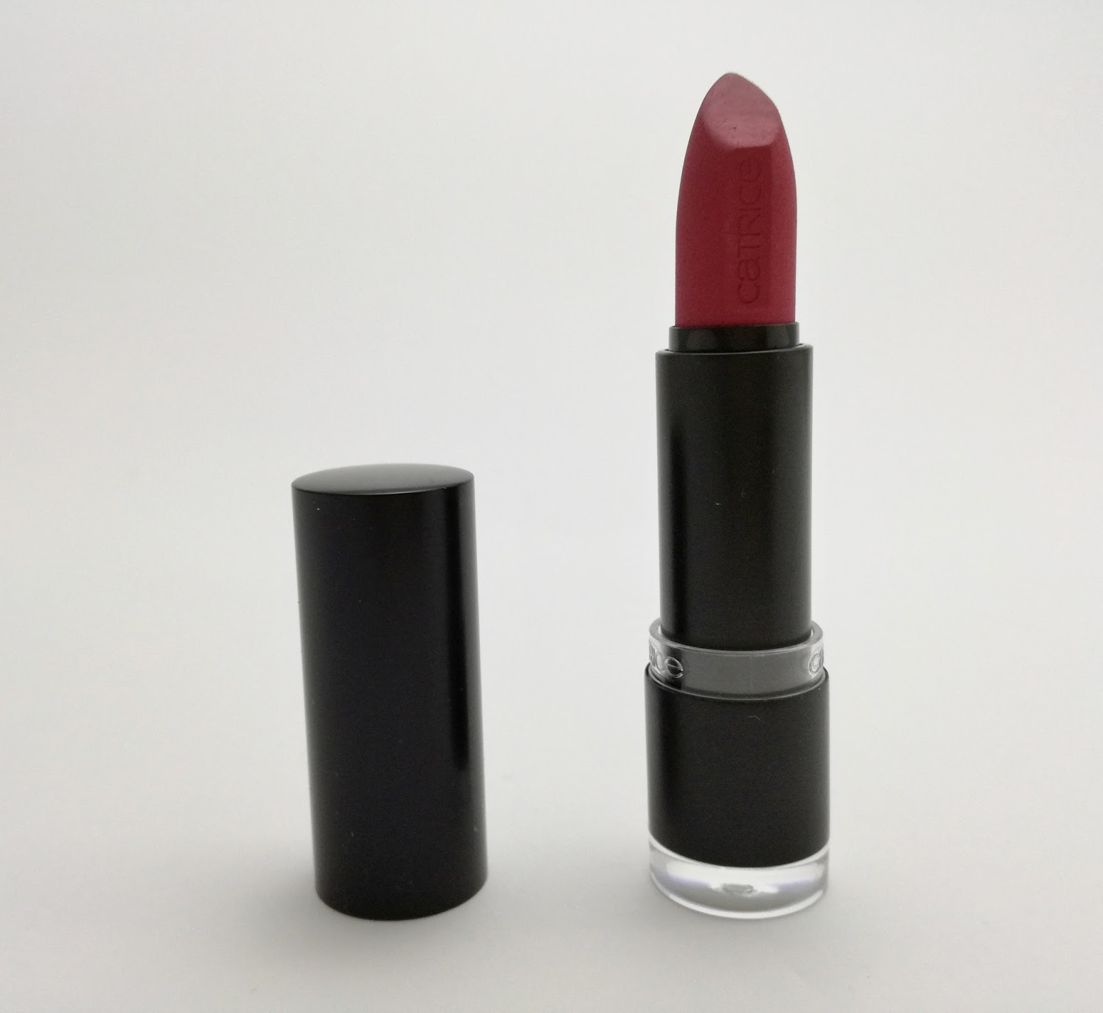 Catrice-Ultimate-matt-lipstick-020-from-rose-with-love