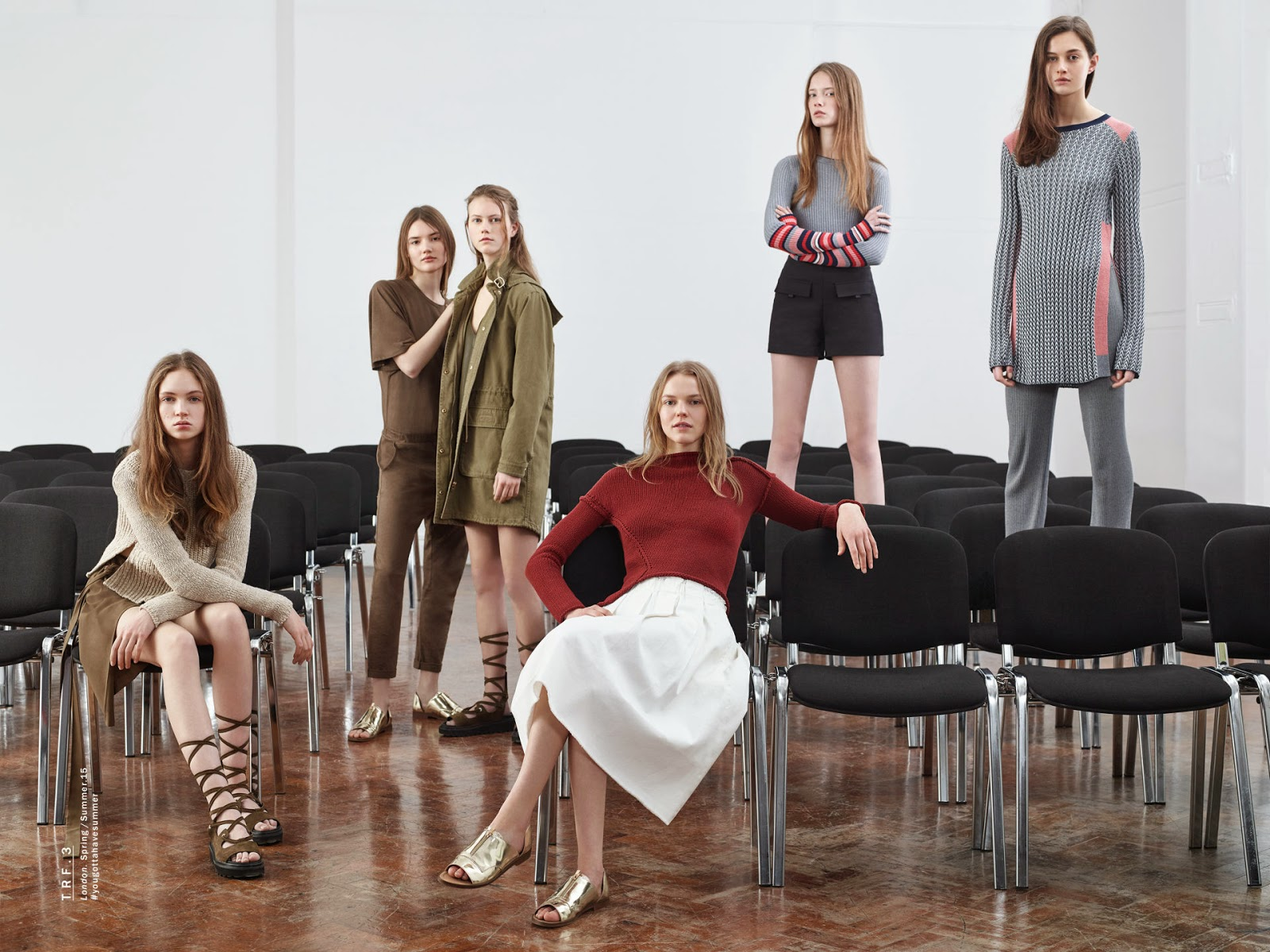 0320413809a0 Το Zara TRF ή Zara Trafaluc προσφέρει πάντα πιο νεανικες, πιο ζωντανές  συλλογές και απευθύνεται σε νεαρές γυναίκες που βρίσκονται στην εφηβική  ηλικία.