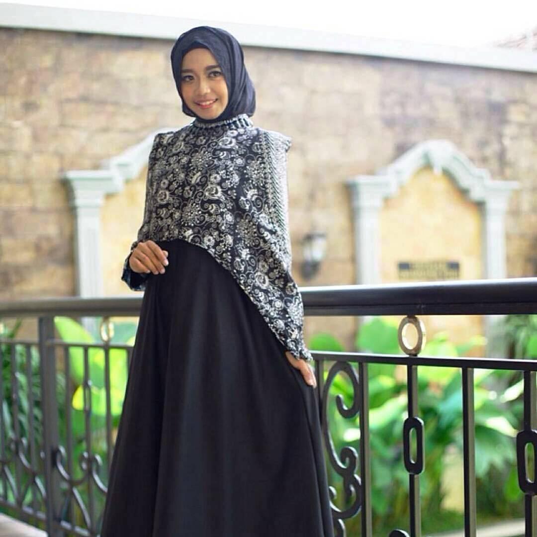Model Gamis Batik Tulis Terbaru: Tampil Beda Saat Pesta Dengan Gamis Batik Kombinasi