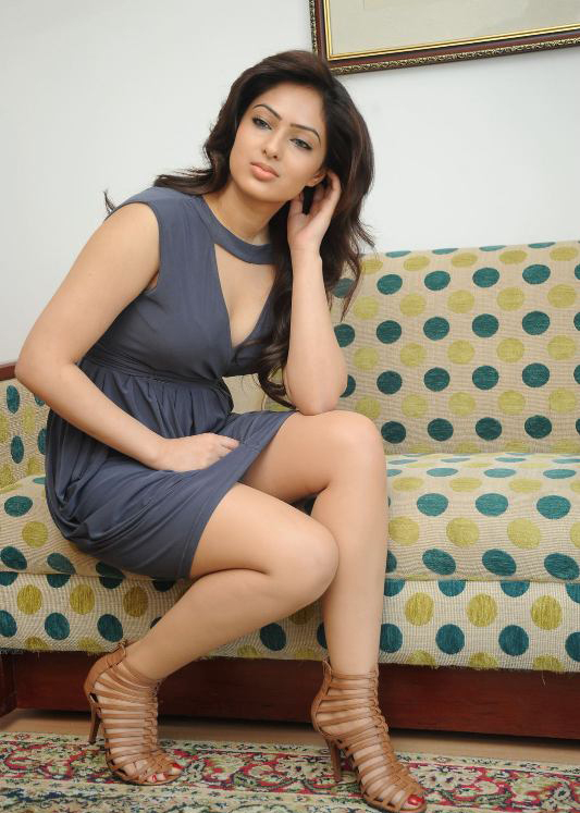 Nikeesha Patel Latest Stills HQ