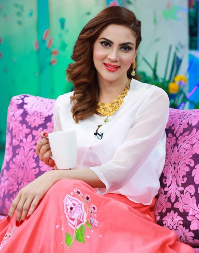Pakistani actress Fiza Ali Full HQ Photos and Wallpapers
