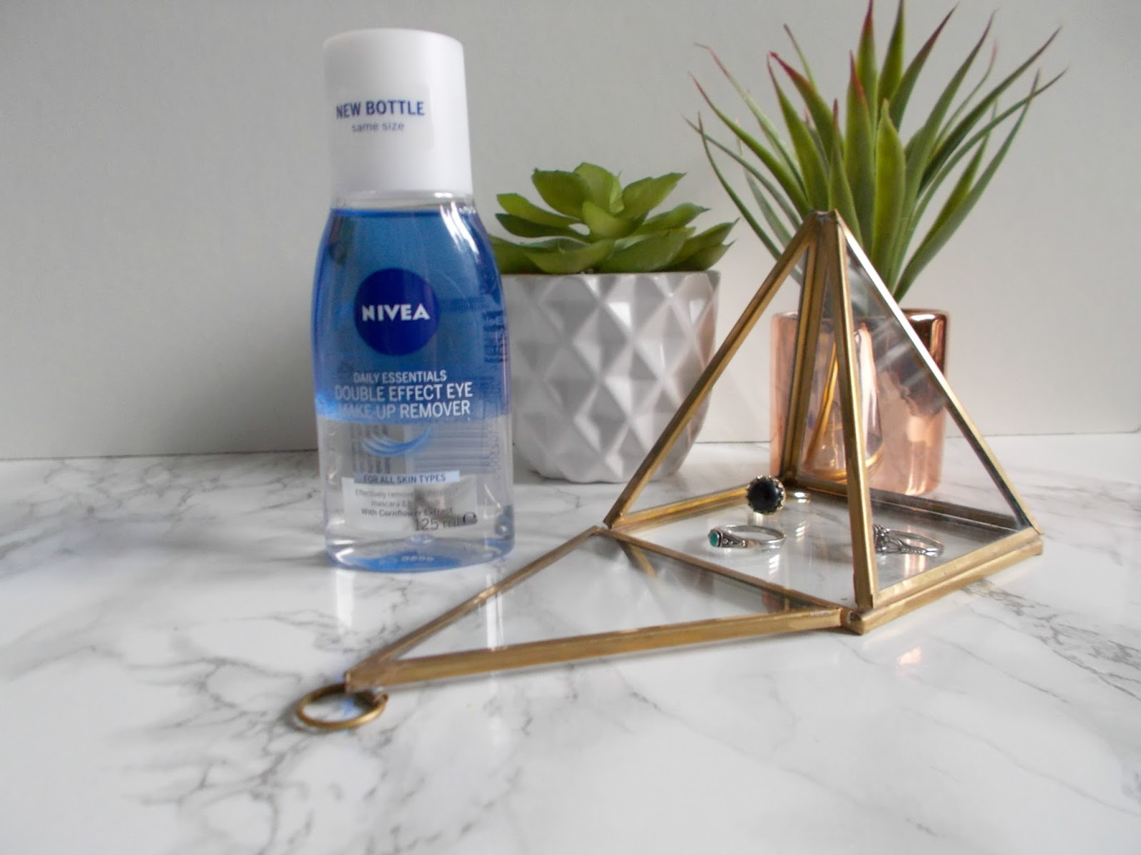 nivea daily essentials eye makeup remover reveiw