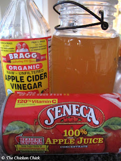 Vinegar need not be apple cider for chickens to receive the limited benefits its use.