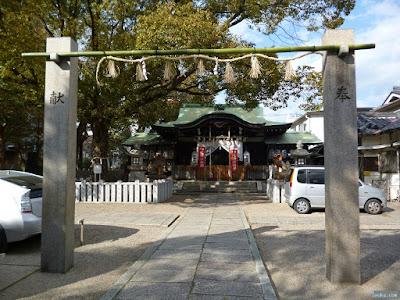 八王子神社注連柱