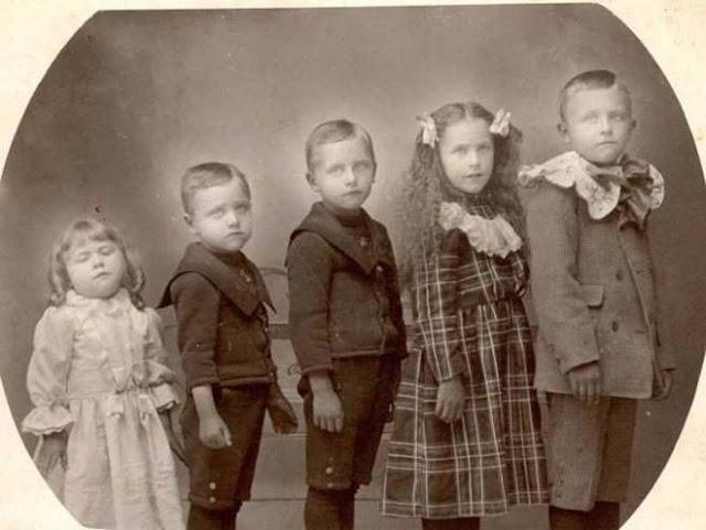 foto bersama orang orang yang telah meninggal dunia