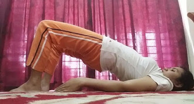 Yoga, senaman, fitness, workout, senaman untuk kempiskan perut, posisi yoga, pelvic tilt pose
