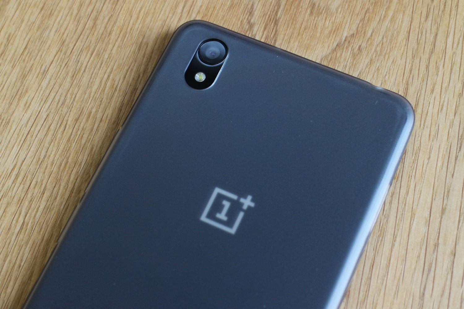 OnePlus Going  To Launch The World's First 5G Phone in 2019