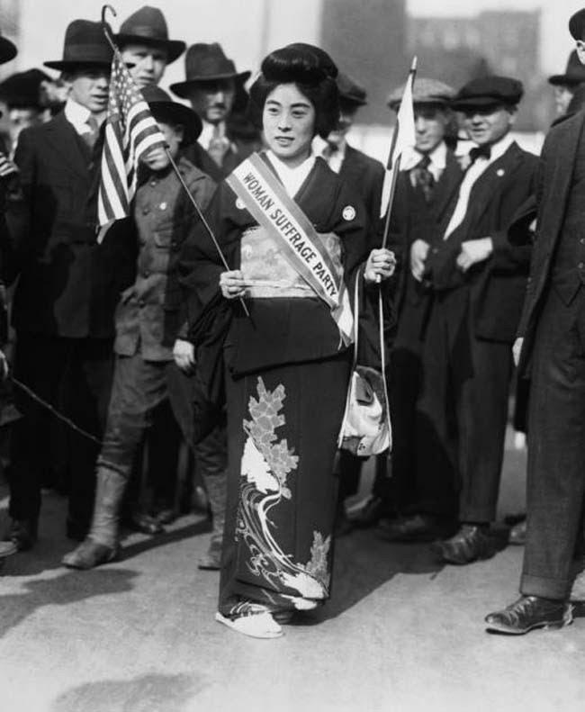 52 photos of women who changed history forever - Komako Kimura, a prominent Japanese suffragist at a march in New York. [October 23, 1917]