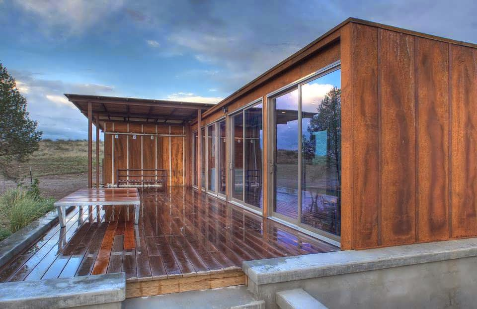 Container Minimalist House Design On Extreme Desert Make