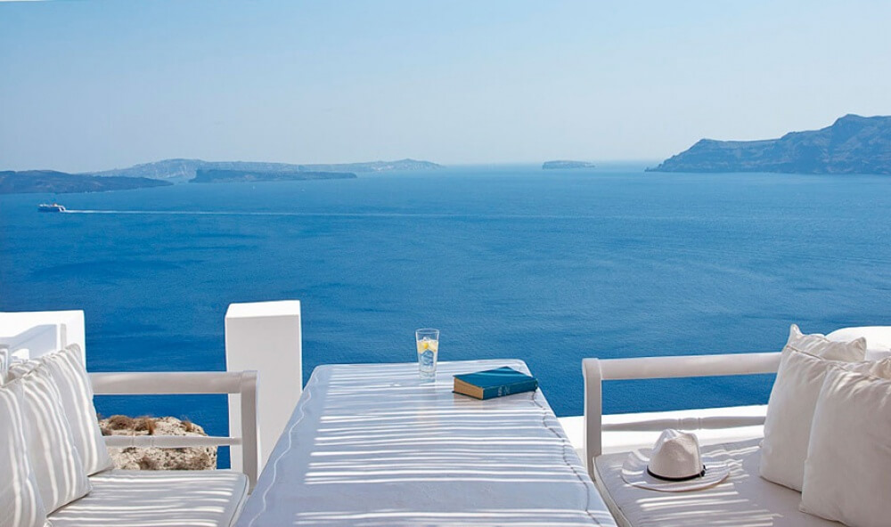 22 Stunning Hotels That Will Make You Want to Book Your Next Trip NOW! - Katikies Hotel-Oia, Greece