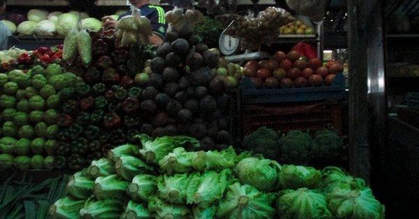 Canasta alimentaria en agosto subió 39 % y llega a Bs. 1,3 millones