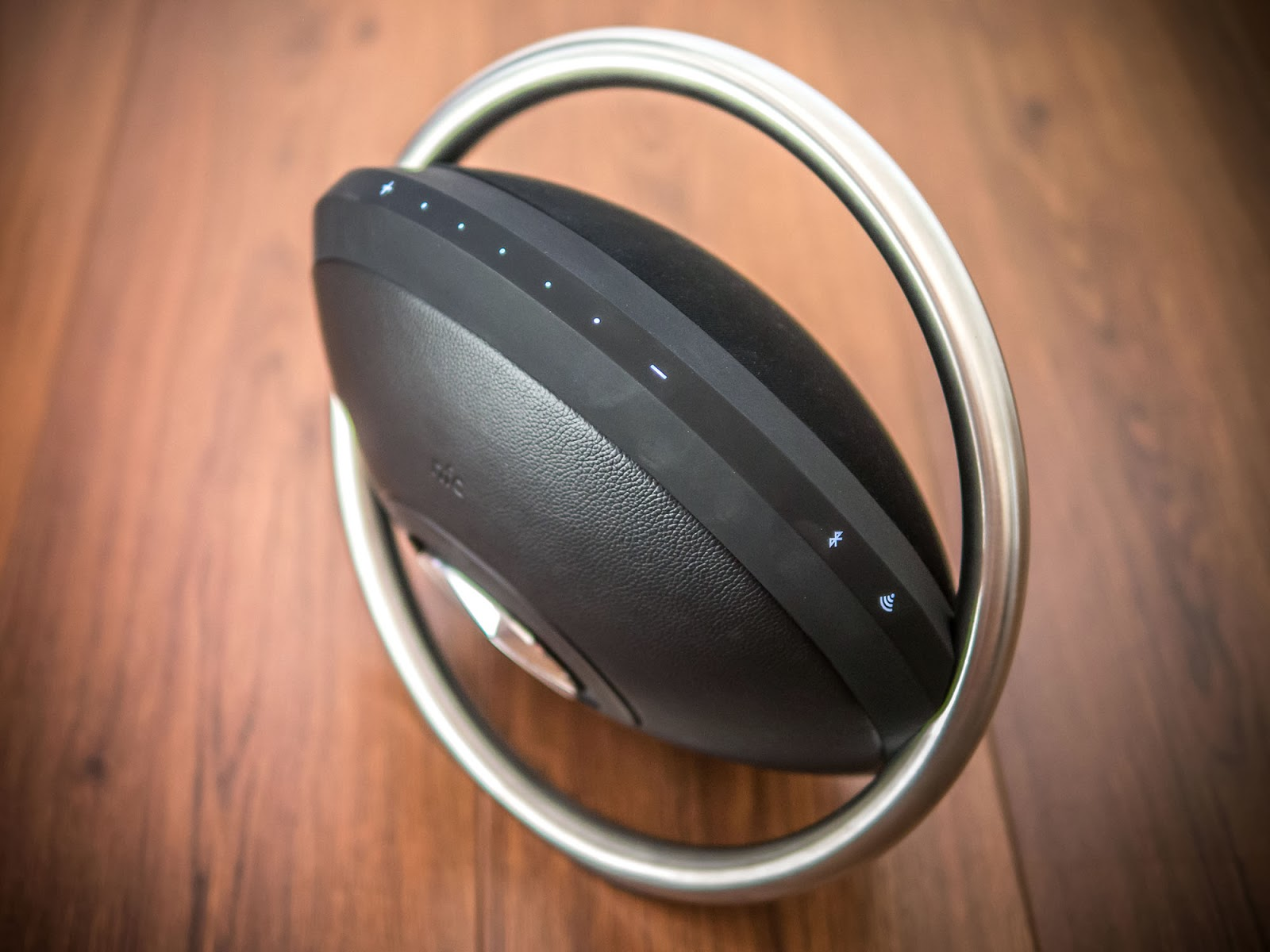 Oluv's Gadgets: Review: Harman Kardon Onyx - the ultimate Boombox