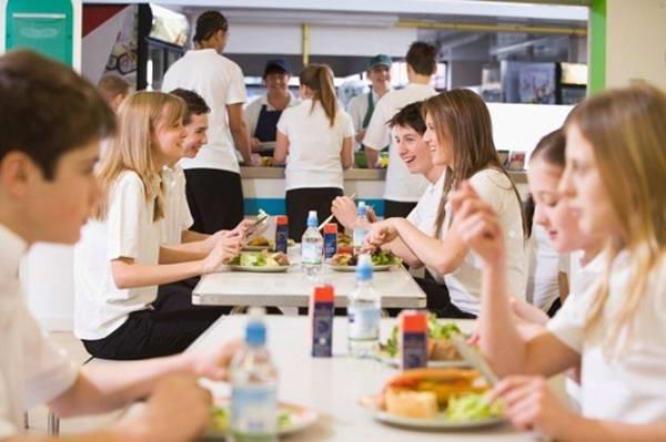 Ăn trưa đúng cách giúp giảm cân của chị em công sở