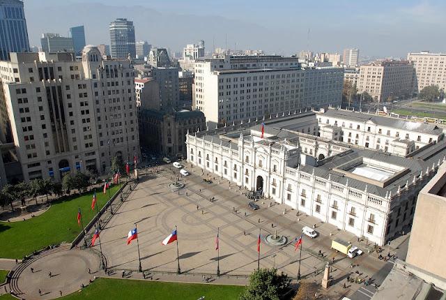 Conhecer o Palácio de La Moneda em Santiago no mês de dezembro