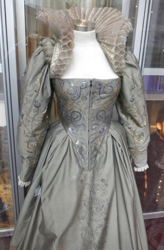 Queen Elizabeth I costume Mary Queen of Scots