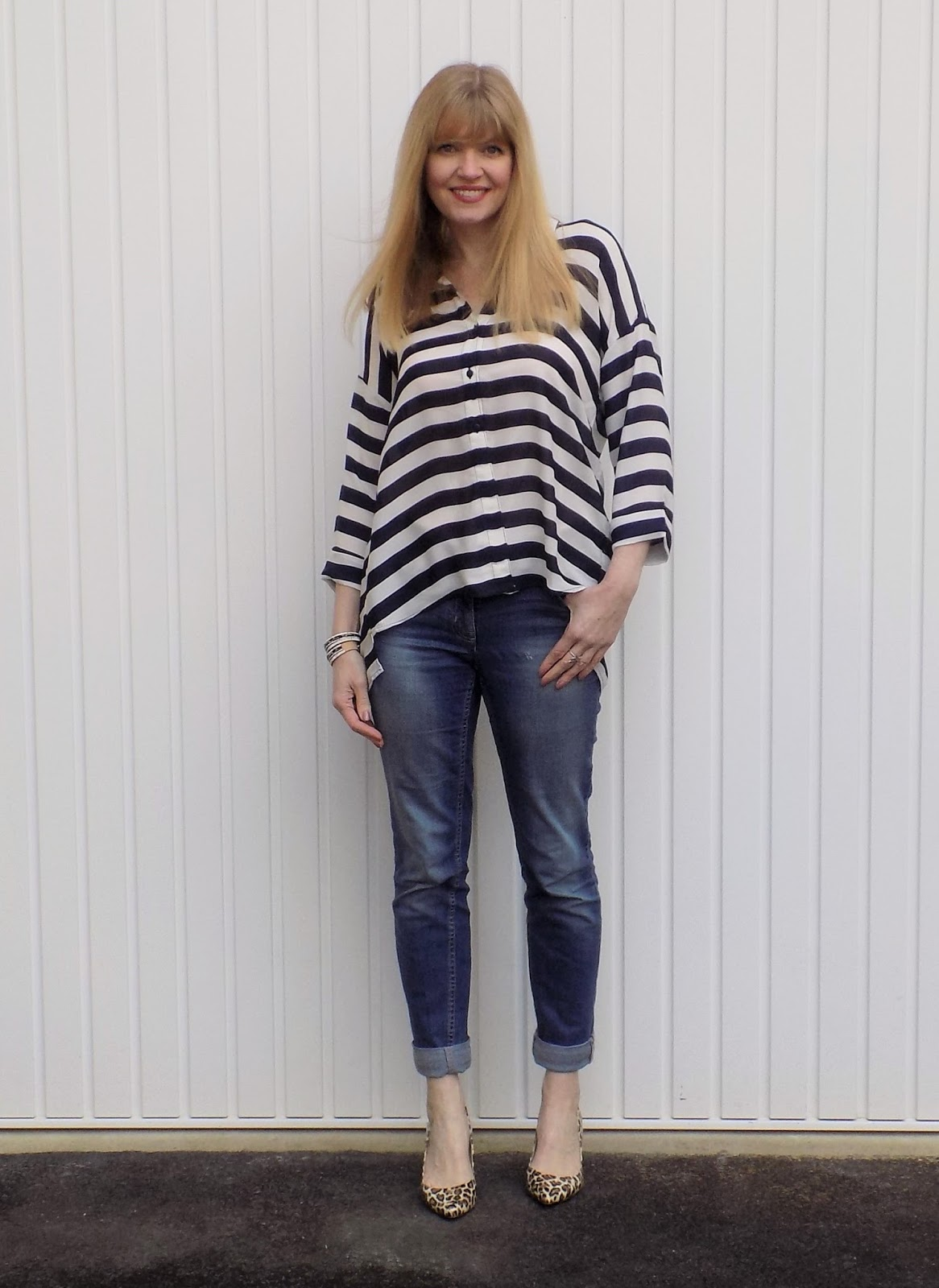 Striped shirt, boyfriend jeans and leopard print shoes