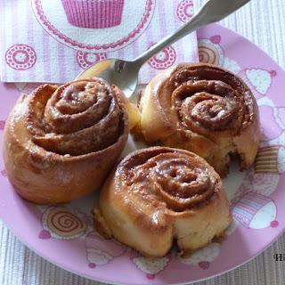https://danslacuisinedhilary.blogspot.com/2012/10/roules-la-cannelle-cinnamon-rolls.html