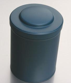 Blechdosen Blau