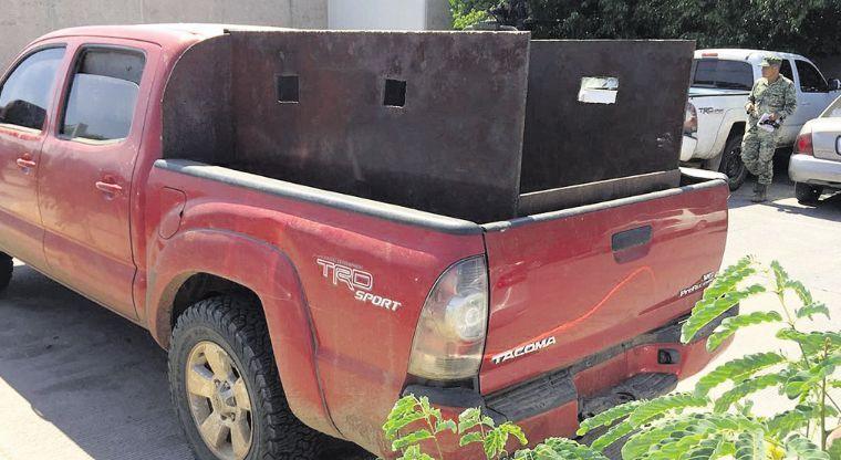 Caen en Mocorito Sinaloa con arsenal y camioneta blindada tras fuerte operativo de la SEDENA