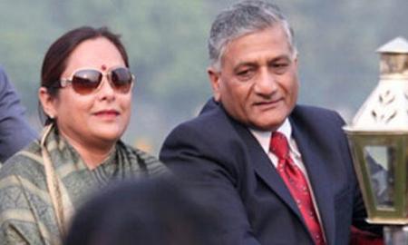केन्द्रीय मंत्री की पत्नी ब्लेकमेलिंग की शिकार: निजी बातें पब्लिक कर देने की धमकी