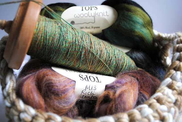 Hand spun yarn, drop spindle, drop spindling, spinning, roving woolyknit