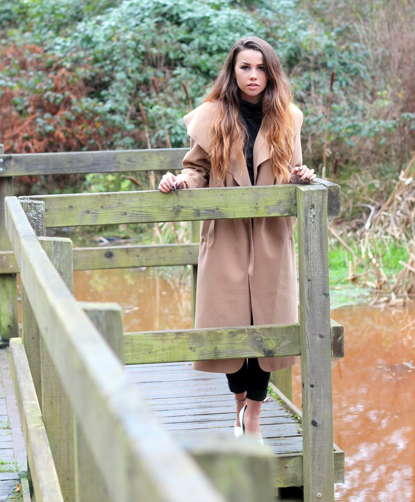 copper-garden-photoshoot-outfit-posts-camel-coat