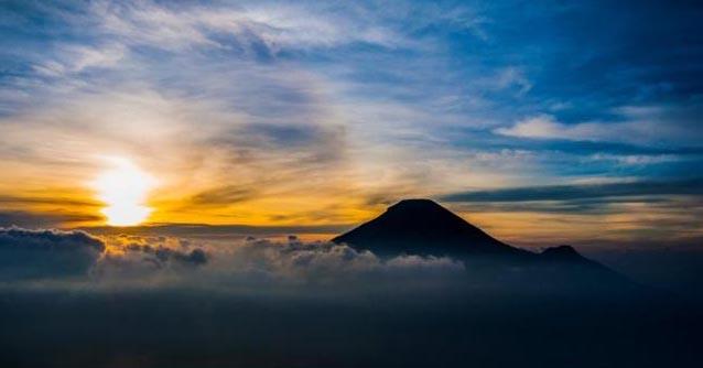 Gunung Prau Sore Hari