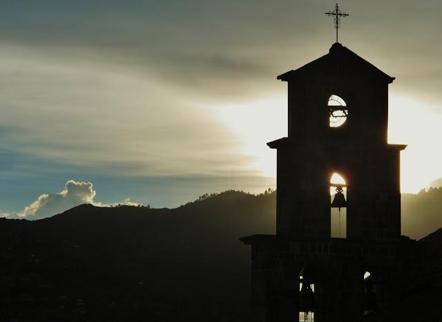 Pôr do Sol em San Blas, bairro de Cusco, no Peru