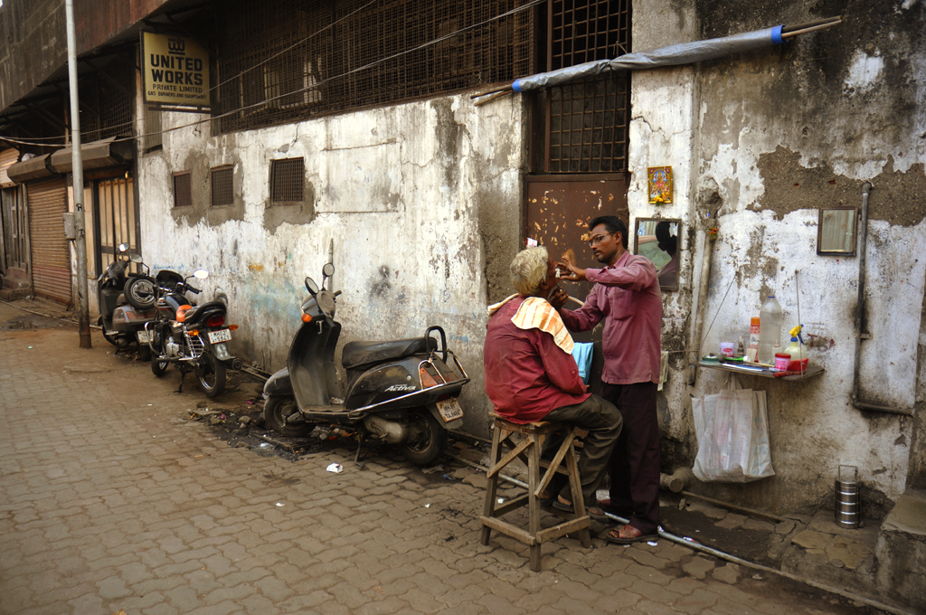 Street barbershop, India submitted to the 'Street: Everyday Life' photo assignment with Better Photography.