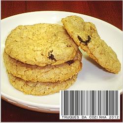 Cookies de aveia e passas assados