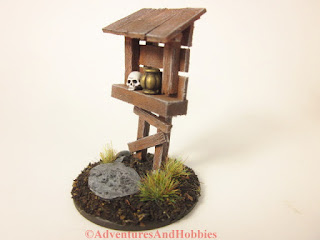 Miniature scenery piece wooden roadside shrine T1533 in 25-28mm scale - side view.