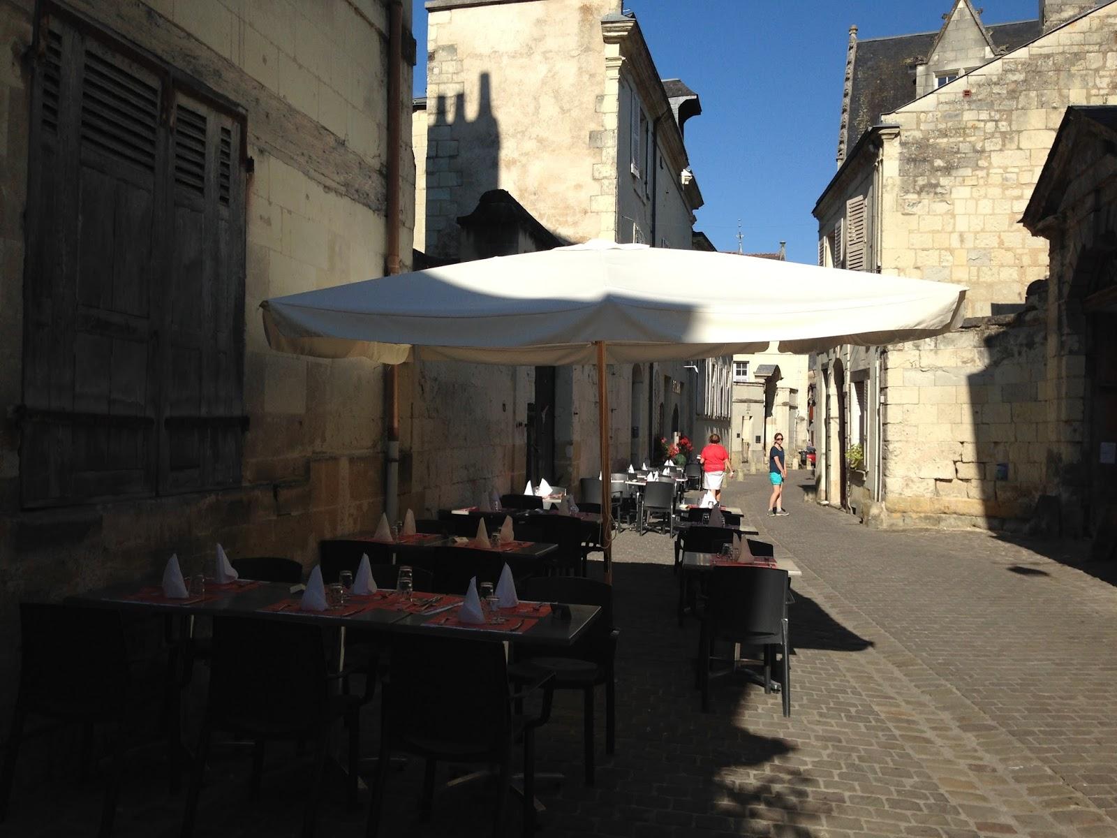 Chinon, miasto Joanny d'Arc, knajpy w Chinon
