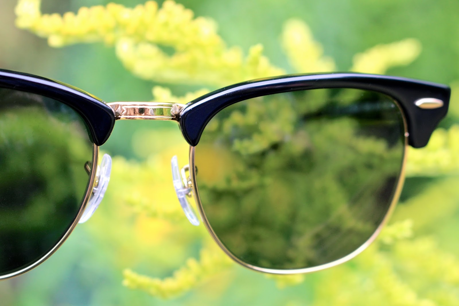 Ray Ban Womens Black and Gold Clubmaster