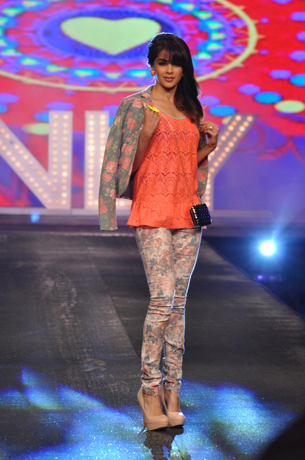 Celebs hot on the ramp at the allure fashion show photos
