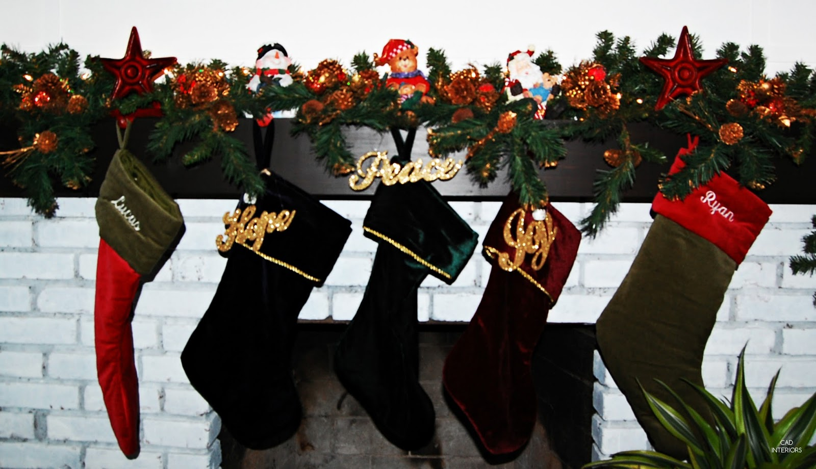 traditional classic Christmas decorations Pottery Barn stockings