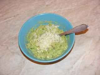 Preparare guacamole retete culinare,
