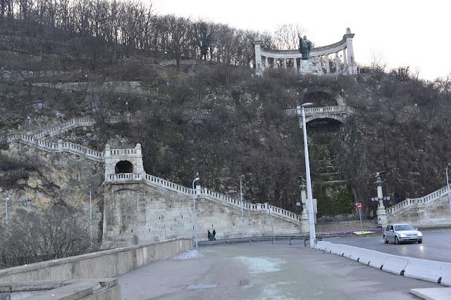 COLLINA-GELLERT-BUDAPEST