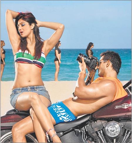 Bollywood Hot Actress In Bikini Bollywood Actress in Bikini Pics 85