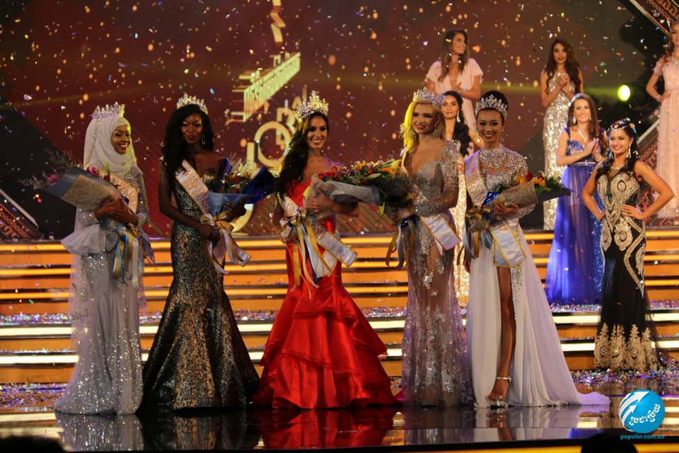 Barbara Vitorelli, a Miss Global 2017, entre as finalistas do concurso. Foto: Popular Magazine/Renato Cipriano - Divulgação
