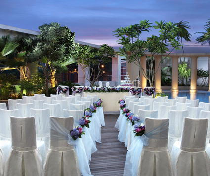 Park Hotel Clarke Quay Poolside Ceremony Venue