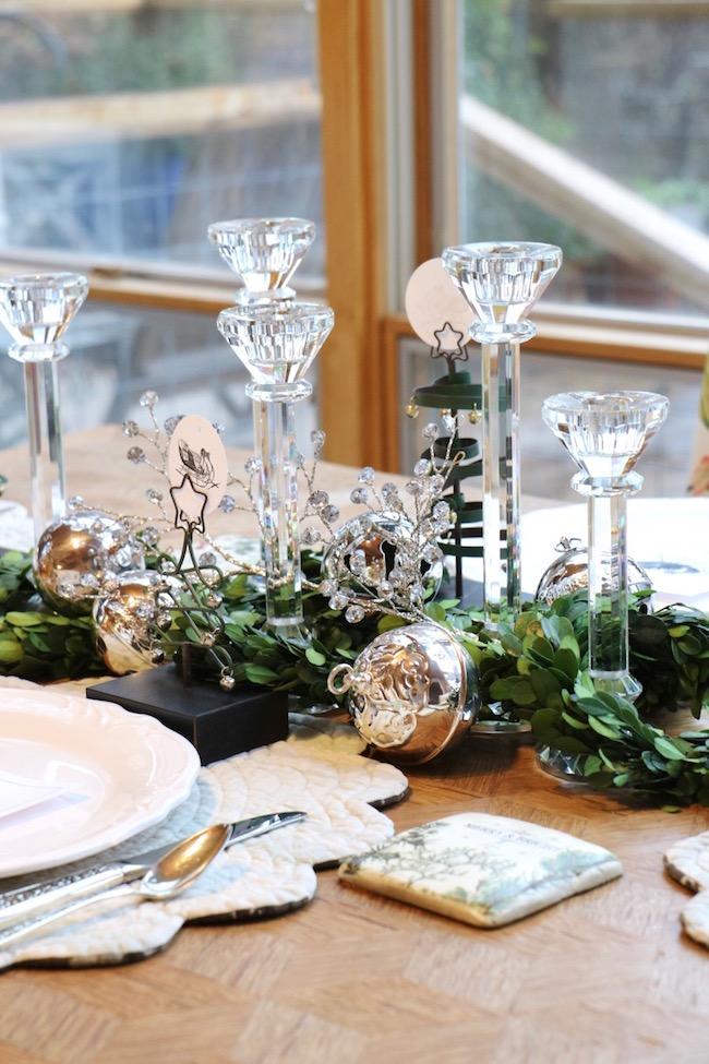 christmas-sleigh-bell-tablesetting