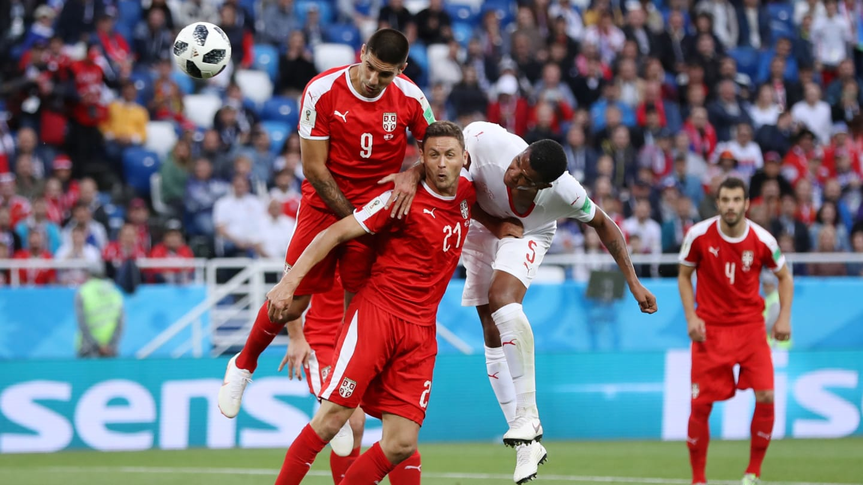 Suíça 2 x 1 Sérvia